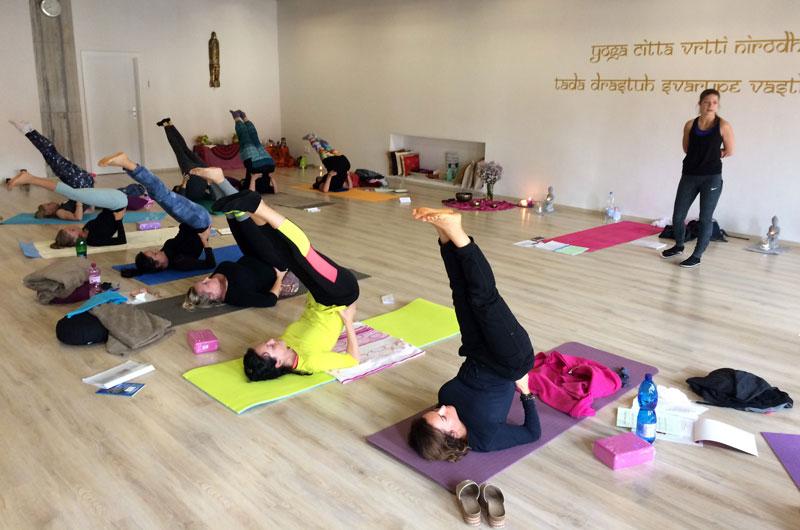 2920023b3 Hormonálna joga pre ženy (Nitra) – MYoga